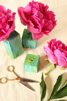 "How to make Watercolour Block Vases ("",)// Could use wooden beads since they have holes in them already. Possible provocation. Maybe use straws, flowers, other loose things to construct something else."