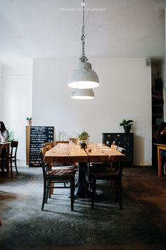 Insider's Guide: 14 Don't-Miss Restaurants, Coffee Shops, and Cocktail Bars in Berlin - Remodelista Design Café, Cafe Design, House Design, Interior Design, Bar A Vin, Café Bar, Restaurant Berlin, Restaurant Design, Restaurant Layout
