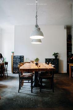 Insider's Guide: 14 Don't-Miss Restaurants, Coffee Shops, and Cocktail Bars in Berlin - Remodelista Design Café, Cafe Design, House Design, Design Trends, Bar A Vin, Café Bar, Restaurant Berlin, Restaurant Design, Restaurant Layout