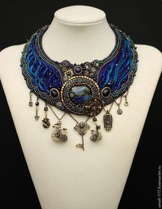 I don't understand the language, but the collar is amazing Ribbon Jewelry, Bead Embroidery Jewelry, Hair Jewelry, Beaded Embroidery, Beaded Jewelry, Beaded Necklaces, Shibori, Style Steampunk, Soutache Necklace