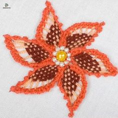 french knots how to make Hand Embroidery Patterns Flowers, Basic Embroidery Stitches, Hand Embroidery Videos, Embroidery Stitches Tutorial, Embroidery Flowers Pattern, Creative Embroidery, Simple Embroidery, Learn Embroidery, Hand Embroidery Designs