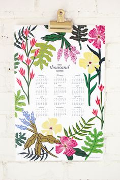 FREE printable 2016 calendar - DIY hanging floral calendar