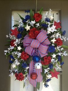 Top 19 July 4th Holiday Wreath Designs – Easy Patriotic Interior Party Decor Project - DIY Craft (12)