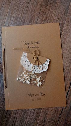 Sachet de confettis pour la sortie d'église/de mairie des mariés. Ce sachet peut être disposé au dos ou à l'intérieur du livret d'accueil ou du livret de messe. Ou à glisser direc…