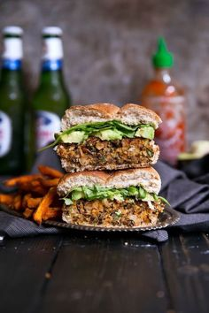 Sweet potato burgers made with wild rice, chickpeas and curry spices