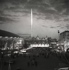 Festival of Britain, South Bank London, Skylon, 1951 Uk Festivals, Space Travel, Time Travel, Contemporary History, London History, Old London, Modern Sculpture, Vintage Photography, Old Photos
