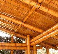 10 Enterprising Clever Tips: Backyard Garden Patio Pools backyard garden house fire pits. Rustic Backyard, Modern Backyard, Small Backyard Gardens, Backyard Garden Design, Bamboo Roof, Bamboo House Design, Bamboo Building, Hot Tub Garden, Big Garden