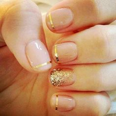 A nice summer look, nude nails with a gold trim and gold sparkle ombre effect. #Capelli #Nude #Nails