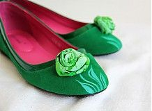 Green flower from www. Painted Shoes, Green Flowers, Wedges, Flats, Fashion, Loafers & Slip Ons, Moda, Fashion Styles, Flat Shoes