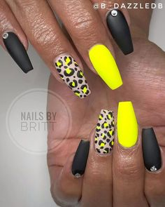 Best Nails for Summer 2019 Cute black, leopard print, and yellow neon summer nails 2019 Neon Yellow Nails, Yellow Nails Design, Neon Nails, Pink Nails, Neon Nail Art, Cute Nails, Pretty Nails, Leopard Print Nails, Leopard Nail Art