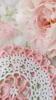 Doily Rug, Crochet Doilies, Knit Crochet, Eco Friendly House, Heart Shapes, Home Accessories, Macrame, Tatting, Crocheting