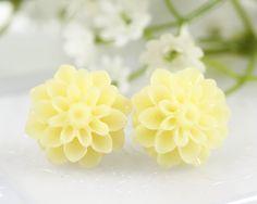 Cream Chrysanthemum Ear Posts, Bridal Jewelry, Bridesmaids Gift,