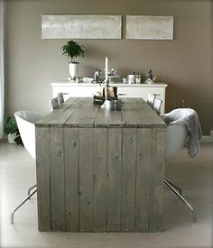 love the grey wood desk and being able to see the planks. the non-cluttered feel of the space #design