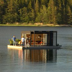 "Floating room [for cheap ""waterfront"" property]: mostly wood; rooftop solar photovoltaic system for energy; completely mobile using same outboard motor that powers a small fishing boat. Floating Dock, Floating House, Small Houseboats, Float Room, Bungalow, Tiny House Cabin, Boat House, Haus Am See, Water House"
