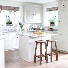 Country cottage kitchen ideas small country kitchen white country kitchen small farmhouse kitchen ideas for gorgeous . Small Cottage Kitchen, Home Kitchens, Kitchen Design Small, Kitchen Remodel, Kitchen Decor, Kitchen Island Design, Kitchen Interior, Interior Design Kitchen, Country Kitchen Designs