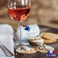 Friends over? Start the fun with some Rosé and Ile de France® Goat cheese!  #idfcheese #cheese #food #feedfeed #yummy #foodporn #instafood #delicious #foodie #eat #foodgasm #foodpic #snack #eeeeeats #eater #eatagram #eatingfortheinsta #infatuation #foods4thought #nomnom #eeeeeats #eatingfortheinsta #l4l #love #instagood #tbt #photooftheday Cheese Toast, Cheese Food, Wine Cheese, Goat Cheese, Poitou Charentes, Romantic Picnics, Infatuation, Nom Nom, Alcoholic Drinks