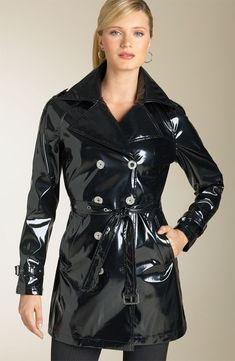 Don't wear reflective clothing, such as a latex or leather jacket. Shoots often have intensely bright lights, and you don't want to reflect them into the camera because it won't look right. Vinyl Raincoat, Pvc Raincoat, Leather Trench Coat, Leather Jacket, Imper Pvc, Black Raincoat, Vinyl Clothing, Raincoats For Women, Rain Wear