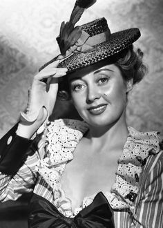 Joan Blondell in Elia Kazan's A TREE GROWS IN BROOKLYN ('45)