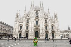 """""""5 months from Expo2015, I'm resting in Piazza del Duomo. Come and visit Milan!"""" #Foody #Expo2015 #Milano #Italy"""