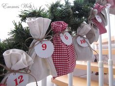 I saw this and thought, twist to Advent Calendar and how easy would this be... oh yes, plus its cute!