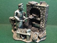 Baker  by Evergreen Great Quality Pewter Statue - 5  x 4.5  x 4  - 2kg