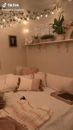 Cute Bedroom Decor, Room Design Bedroom, Dorm Room Designs, Room Ideas Bedroom, Small Room Bedroom, Tiny Bedrooms, Dream Teen Bedrooms, Apartment Bedroom Decor, Girl Bedroom Designs