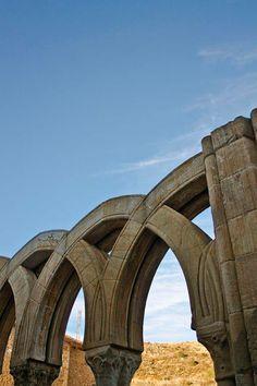 Tocando el cielo. Monasterio de San Juan de Duero (Soria)  #CastillayLeon #Spain