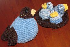 Mama bird, hungry babies.  Amigurumi crochet