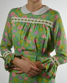 1970's Floral Green Dress with Peter Pan Collar by BuffaloGalVintage on Etsy