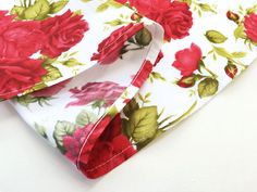 Nerdy sewing tips: How to sew a narrow hem (for curved hems and/or del – By Hand…