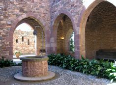 Castell Cartoixa de Vallparadís és un edifici original del segle XII es converteix en Cartoixa en els segles XIV-XV -  Terrassa