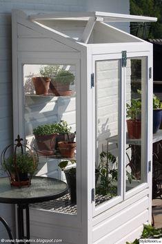 DIY balcony gardening house