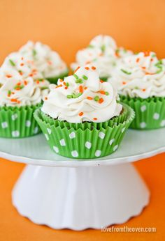 Carrot Cake Cupcakes with Cream Cheese Frosting.  Perfect for #Easter