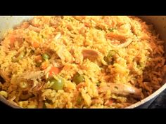 The Best Arroz Con Pollo (One Pot Chicken and Rice) Panamanian Style. This Recipe is absolutely perfect with the right amount of each ingredients to complime. Arroz Recipe, Panamanian Food, Tamale Recipe, Baked Chicken Recipes, Rice Recipes, Cooking Recipes, Chicken Meals, Tamales, Kitchens