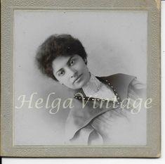 Antique BW photo, beautiful exotic lady, H. Vintage Beauty, Vintage Fashion, Lady, Vintage Photos, Exotic, Beautiful, Antiques, Photography, Antiquities