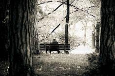 """Questa è una poesia di Prévert ASSOLUTAMENTE da non perdere. Così differente dalle altre sue poesie. Ma soprattutto la lettura di Gianni Caputo lascia senza parole e ti viene voglia di risentirla ancora e ancora.... E per una volta seguite il mio """"consiglio"""": condividetela e lasciate che altri possano godersi 2 minuti di piacere :)  #JacquesPrévert, #poesiarecitata, #audiopoesia, #disperazione, #Sensodellavita, #perledacondividere,"""