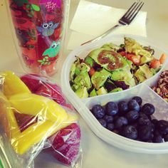 Lunch box ideas for Adults Avocado salad, with walnuts, blueberries, mango and strawberries.