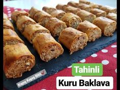 Ready-made yufkadan, DRY BAKLAVA✔Tadan people are ready for weeks . Supper Recipes, New Recipes, Sliced Turkey, Evening Meals, Muffin Recipes, Dessert Bars, Nutritious Meals, Food Items, Recipe Using