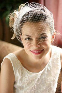 http://www.bride.ca/wedding-ideas/images/Blog/Fashion/Veils/bridal-veil-birdcage3.jpg
