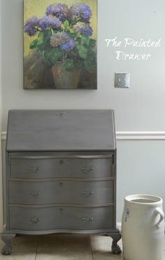 A weekly post highlighting a paint color. This week's color is General Finishes Driftwood. General Finishes milk paint comes in a variety of colors and Driftwood is the perfect gray/blue. Chalk Paint Projects, Chalk Paint Furniture, Furniture Projects, Furniture Makeover, Diy Furniture, Refinished Furniture, Paint Ideas, Dresser Makeovers, Furniture Refinishing