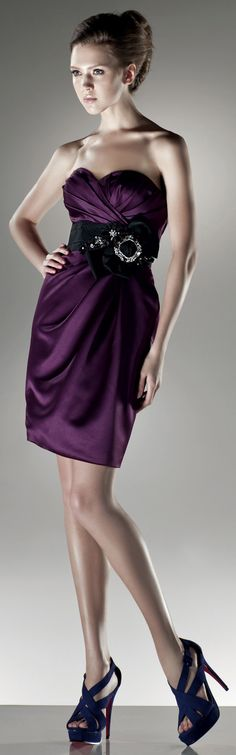 Sweetheart With empire waist tea-length dress