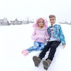 "218 Gostos, 3 Comentários -  Audrey and Alice  (@audrey.alice.dolls) no Instagram: ""Do you want to build a snow man? ☃️. . #audreyandalice #audreyandalicedolls #love #happy #barbie…"""