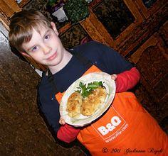 Kids in the Kitchen! Salsiccia di patate Barche by Chef Bretto!
