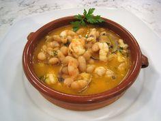 Guiso marinero Seafood Bisque, Spanish Dishes, Shawarma, Chana Masala, Cheeseburger Chowder, Thai Red Curry, Shrimp, Soup, Meat