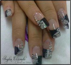 Diseño 1 French Nail Designs, Toe Nail Designs, Love Nails, Fun Nails, Raiders Nails, Black Coffin Nails, Nail Stamping, French Nails, Beauty Care