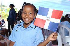 En el municipio Santo Domingo Norte existen 219 centros que benefician a 104 mil 975 estudiantes.  De esos centros, 56 están en Jornada Extendida con 31 mil 630 alumnos.