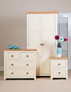 Oak Vaneer & cream bedroom furniture collection that is sure to enhance any bedroom.  Call our friendly team on 01535606660 to order yours today :) x