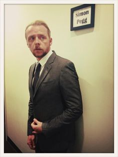 """ Gearing up for @park hee young. Where the fuck is my dressing room?! "" Ahah Simon Pegg on twitter"