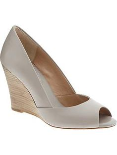 in search of the perfect Gray pumps!!