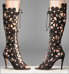 OK I found them - Manolo Blahnik of course and these are just to die for. Imagine if they came in white - I would get married again just to wear them as wedding shoes!